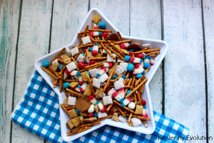 4th of July Snacks! Patriotic Snack Mix
